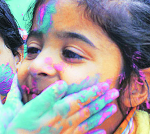 Quick 5 Tips for a Safe Holi